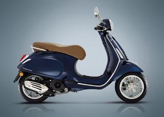 Vespa-Primavera-125-Blue