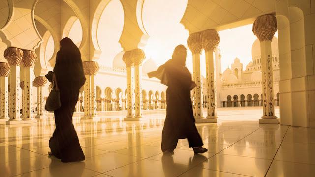 Juzgan a ocho princesas emiratíes por esclavizar a sus asistentas