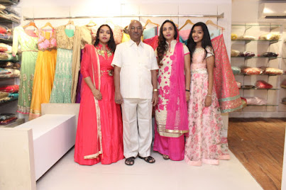 Celebrities inaugurates Sankalp The Boutique Images