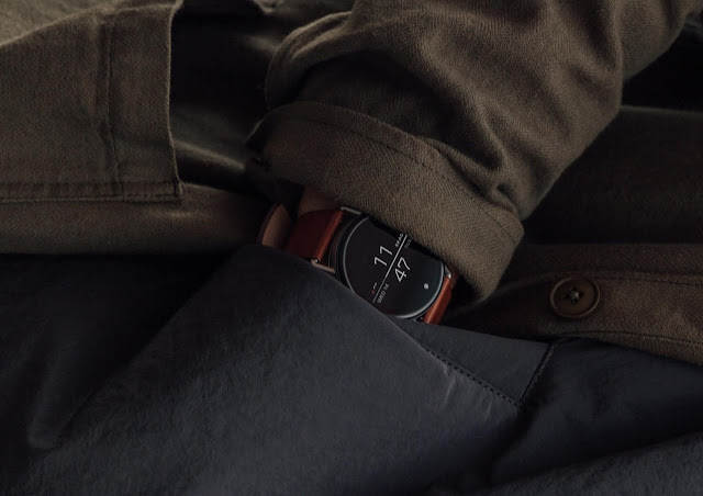 close up detail shot of the skagen falster 2 smartwatch