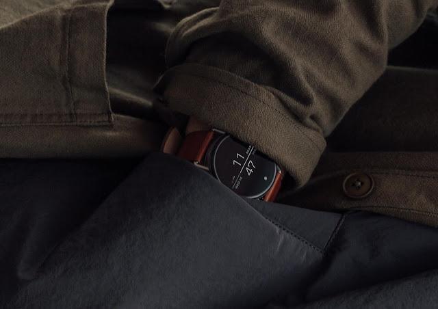 close up detail shot of the skagen falster 2 smartwatch