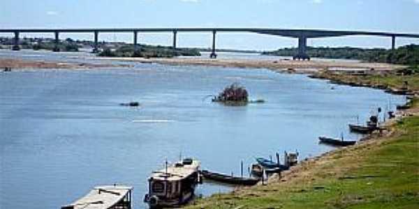 Familiares localizam corpo de idoso que se afogou no Rio São Francisco