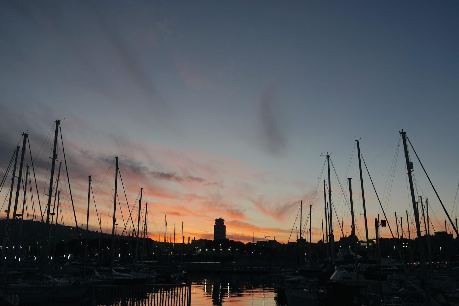 バルセロナ港の夕焼け