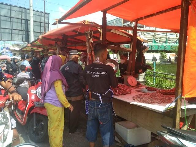 Harga Daging di Pasar Talang Banjar Jelang Ramadan 1442 H
