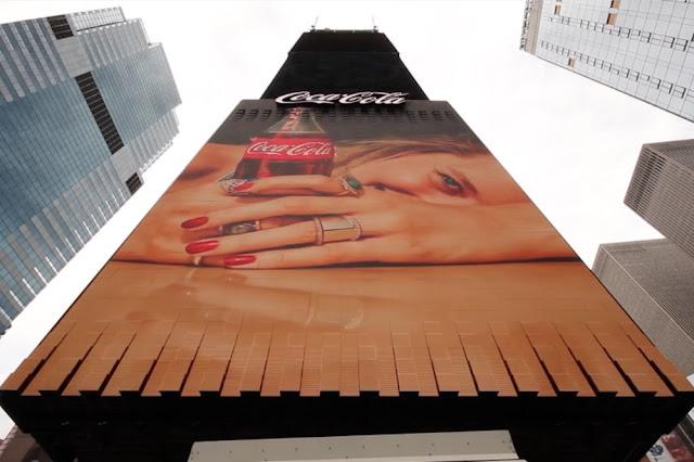 In ấn thiết kế AmyPrint, Biển quảng cáo 3D chuyển động đầu tiên trên thế giới đang được trưng bày tại Quảng trường Thời Đại