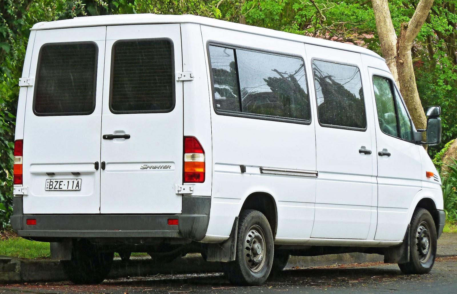 2007–2010 & 2012–present (Argentina) Powertrain: 2.1 L inline 4 OM 646 CDI  3.0L V6 OM642 CDI 3.5L V6 M272 Transmission: 6 speed manual 5 speed  automatic