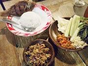 Makan Malam di Kayu Apung Kedai Dahar Nusantara