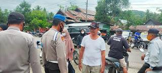 Polsek Cendana Polres Enrekang Melaksanakan Patroli Penegakan Protokol Kesehatan Di Pasar Kabere Ini Yang Di Lakukan