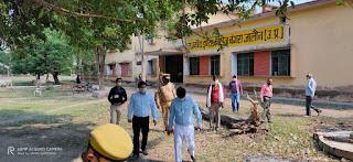 संवाददाता, Journalist Anil Prabhakar.                 www.upviral24.in जनपद के न्यायिक मजिस्ट्रेट एवं एसडीएम माधौगढ़ द्वारा क्वॉरेंटाइन सेंटर बंगरा का निरीक्षण Inspection of Quarantine Center Bangra by Judicial magistrate and SDM Madhaugarh