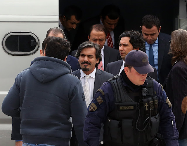 Frankfurter Allgemeine Zeitung: «Έκρηξη» στον αριθμό των Τούρκων που ζητούν άσυλο στην Ελλάδα