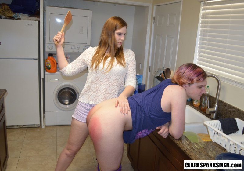 Spanking Minnesota Ladies Day-5333