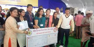 प्रदेश के यशस्वी मुख्यमंत्री कमलनाथजी ने किया प्रतिभावान बच्चियों का सम्मान