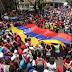 COMPÁRTELO - Miles de chavistas celebran Día del Trabajador con marcha en apoyo a Maduro