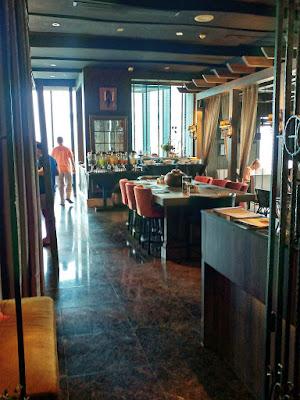 Restaurant Medinii, The Continent Hotel Bangkok