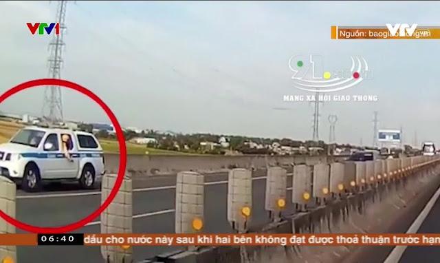 Dân phát hiện xe CSGT đi lùi trên cao tốc còn dùng còi ưu tiên và sự thật đằng sau…