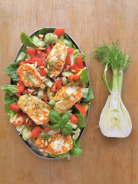 Sałatka z halloumi i pieczoną papryką (do grilla) / Roasted Pepper Halloumi Salad