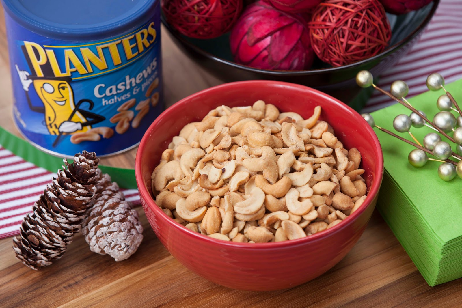Easy Holiday Entertaining Planter's Cashew Nuts