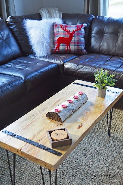 DIY Rustic Coffee Table feature and Creativity Unleashed Link Party #208