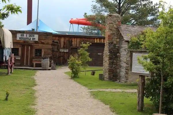Things to Do in Provo : Provo Pioneer Village.