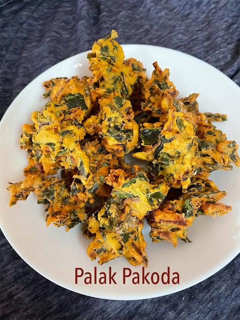 Palak Pakoda / Spinach Pakoda