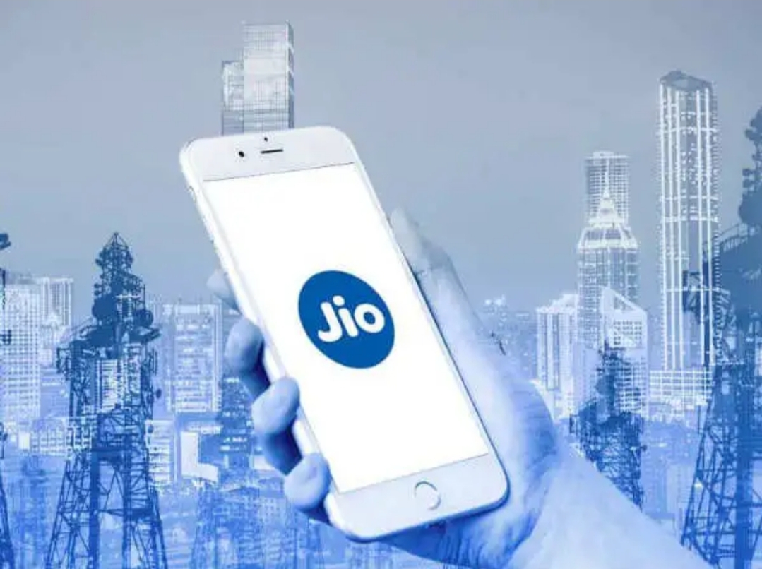 Only pay rs.1299 and get 1 year validity in jio