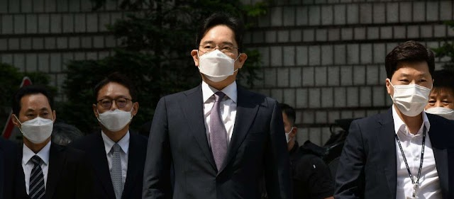 Business : Samsung Heir Is Indicted but Avoids Jail Lee Jae-yong stands accused of stock price manipulation