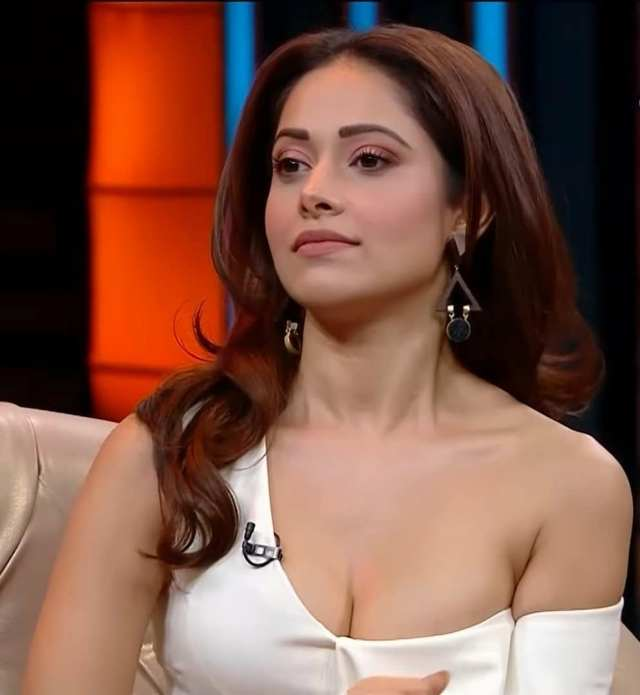 प्यार का पंचनामा' फेम एक्ट्रेस Nushrratt Bharuccha भानुशाली स्टूडियोज़ और राज शांडिल्य की कॉमेडी फिल्म 'जनहित में जारी' में आएंगी नज़र