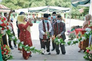 Resmikan Gedung PTT MAN 3 Medan
