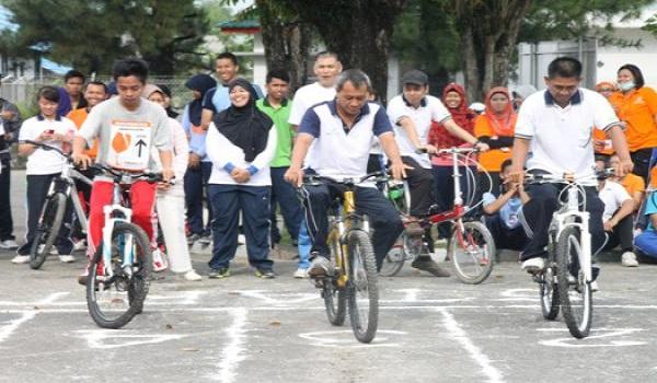 Lomba Balap Sepeda Lambat