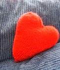 http://translate.google.es/translate?hl=es&sl=en&tl=es&u=http%3A%2F%2Fax174.blogspot.com.es%2F2006%2F02%2Fmy-own-pattern-iii-heart-shaped-pillow.html