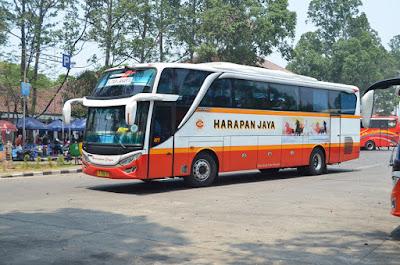 Foto Bus Harapan Jaya 477