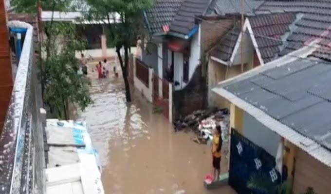 Diduga Banjir Akibat Waduk Tendon Miliki Perum Pesona, Warga Villa Balaraja Minta Deplover Tanggungjawab
