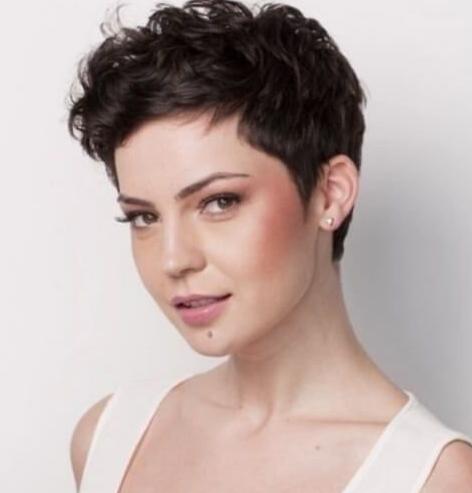 Model rambut wanita pendek Cepak
