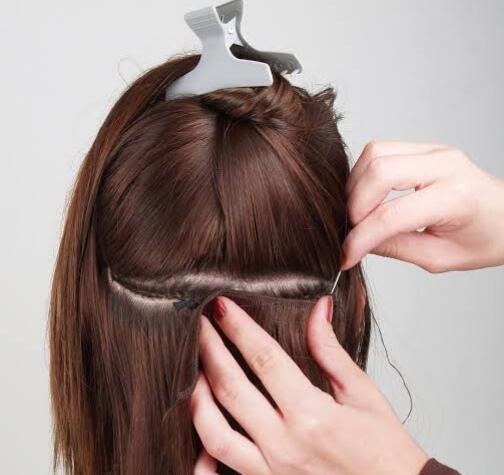 Biar Kelihatan Natural, Sontek Cara Pakai Hair Clip Praktis Berikut Ini!