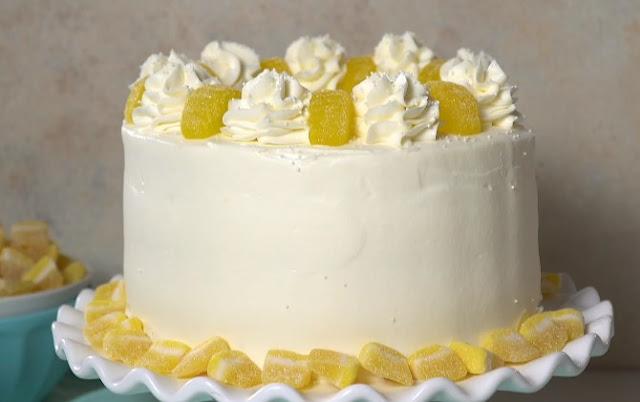 Lemon Mascarpone Layer Cake #cake #desserts
