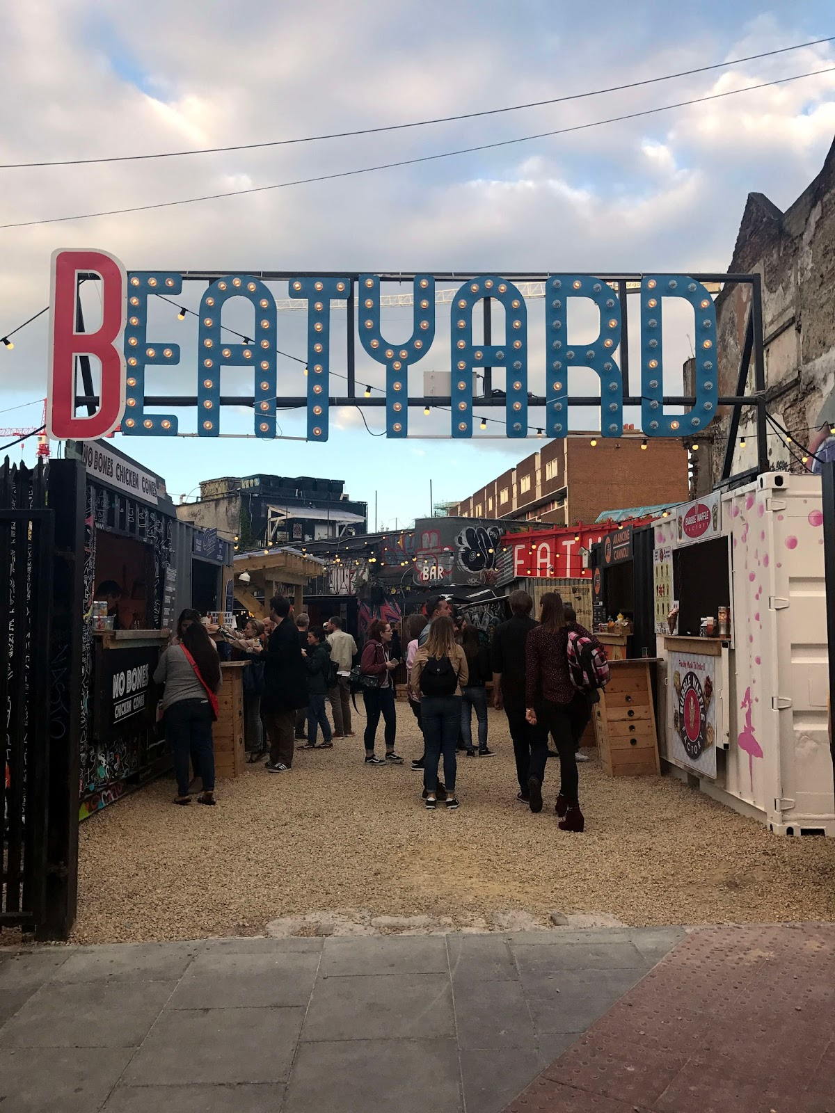 Stitch & Bear - Eatyard - Entrance