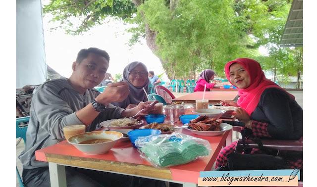Menikmati Makan Siang di de Sagoe Kuphie - Blog Mas Hendra