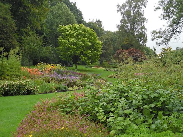 English gardens ogród angielski, rabaty wyspowe