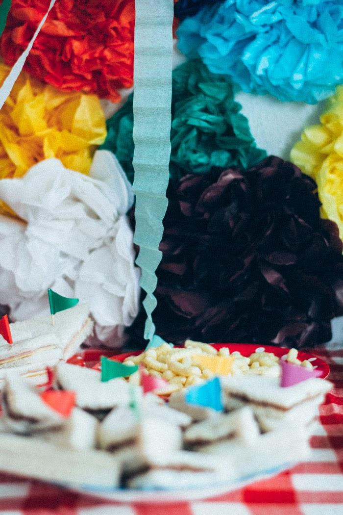 Cumpleaños infantil colores