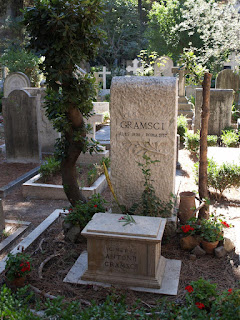 Photo of Antonio Gramsci's grave