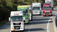 La ministre des Transports Élisabeth Borne a annoncé mardi 9 juillet que les routiers perdraient une partie de leur avantage fiscal sur le gazole pour financer les transports propres.