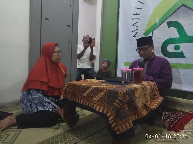 Tertarik Ajaran Islam, Seorang Nenek Akhirnya Bersyahadat