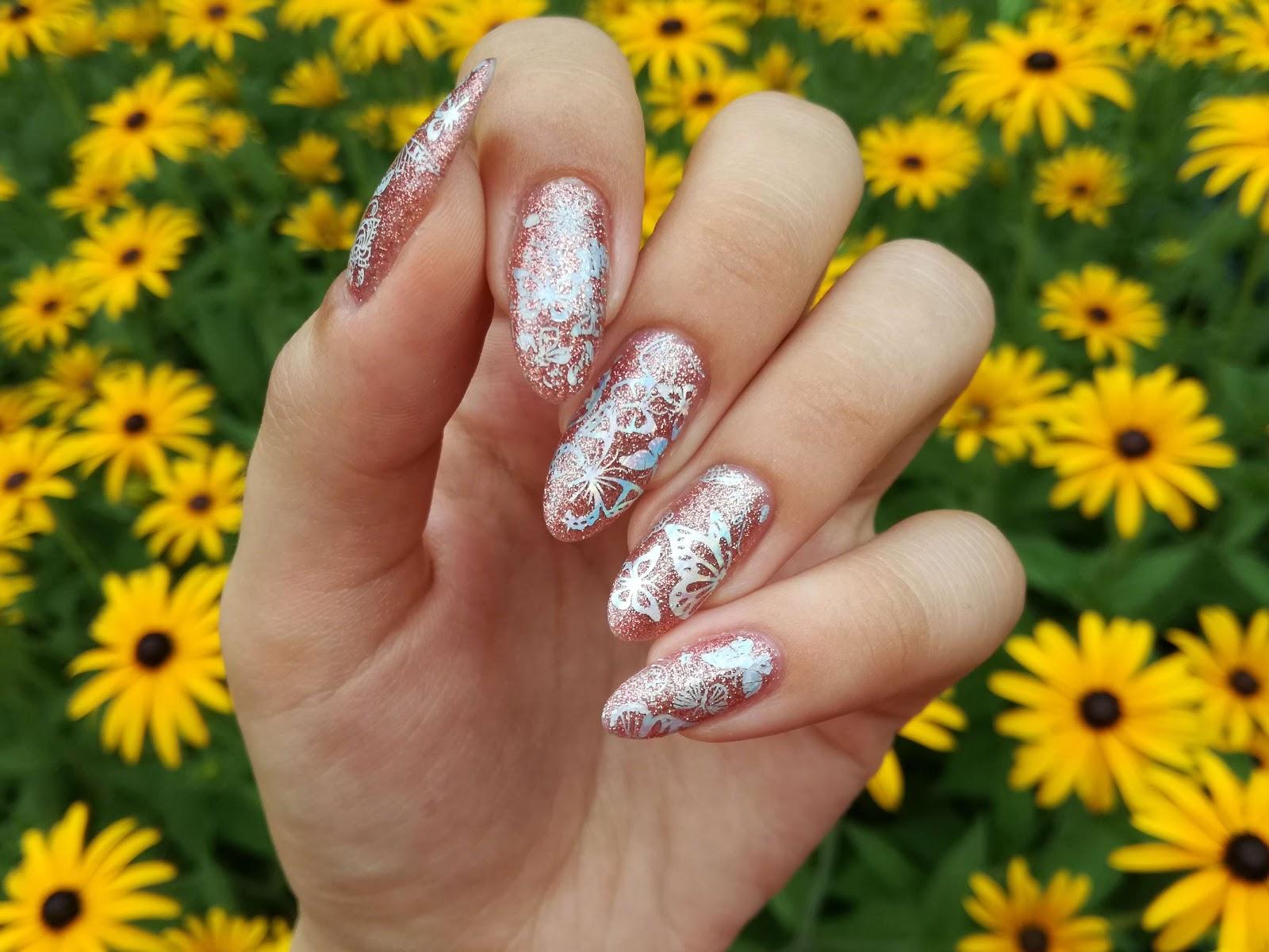 paznokcie w motylki malinaila