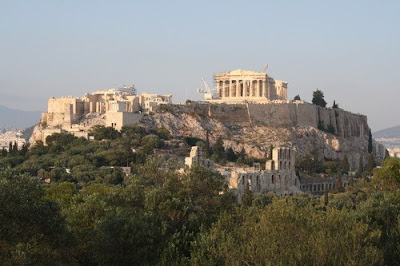 A glimpse of the Acropolis of History