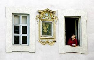 """""""Urbis Picta"""" la street art del Rinascimento *Visita guidata fra le facciate dipinte ed a sgraffito dei Palazzi nobiliari romani"""