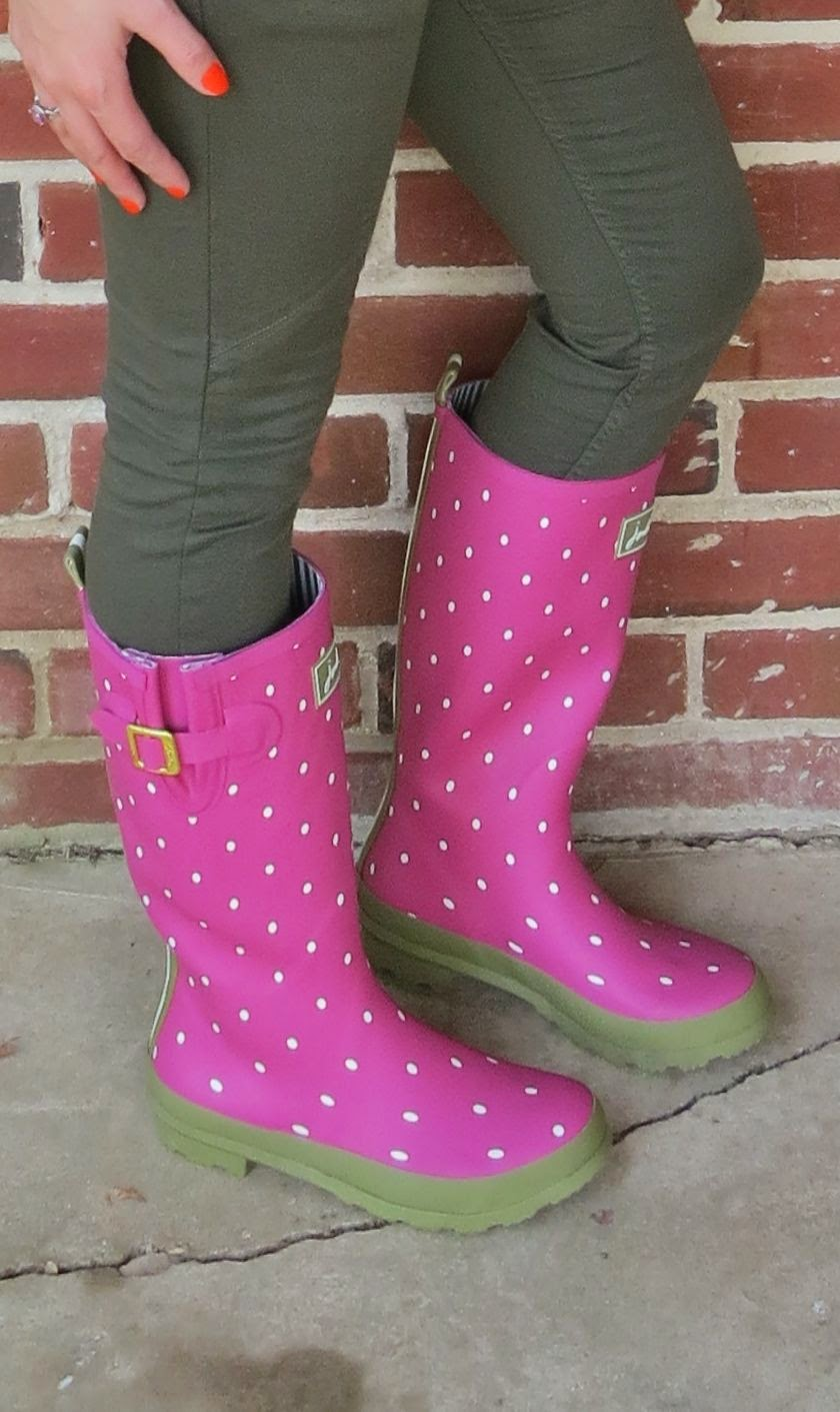 chicwish, joules, outfit, fashion, rainboots, knit shawl
