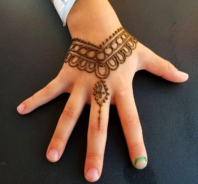 111+ Inspiring Mehndi Designs For Kids To Try In 2019