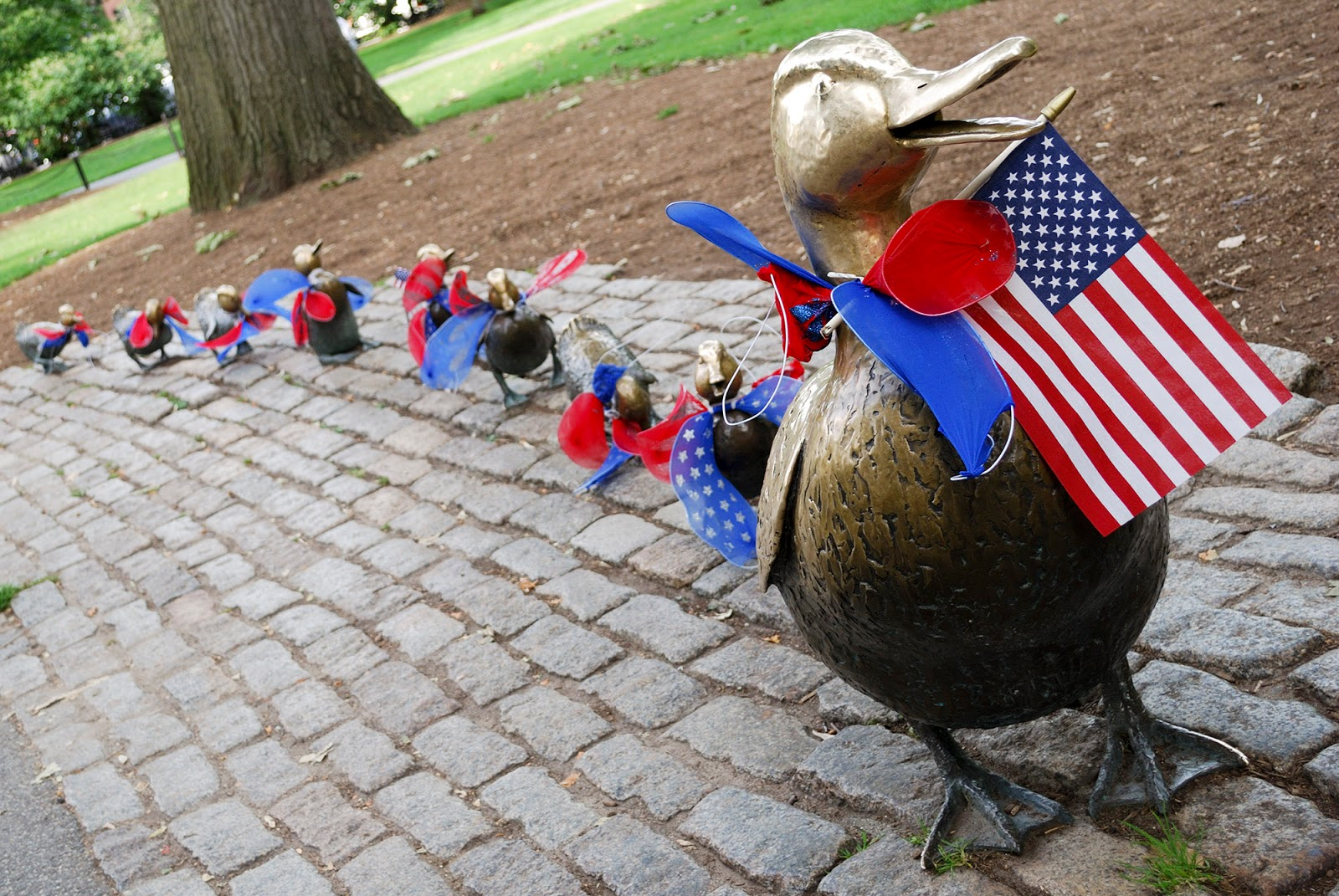 ducklings statue 4th july boston public garden itinerary plan guide tourism usa america park east coast