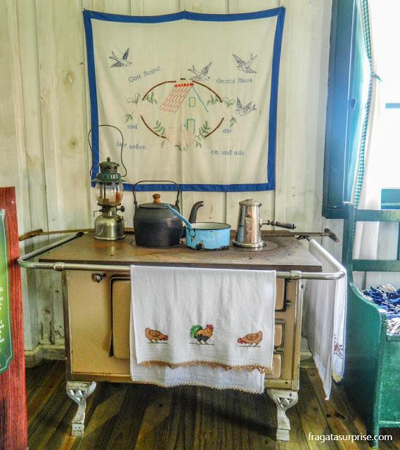 Cozinha de colonos alemães no  Parque Histórico de Carambeí, Paraná