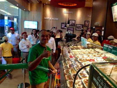 #KKnowinSMSeaside, Krispy Kreme Doughnuts, Krispy Kreme SM Seaside City, SM Seaside City, Original Glazed, Krispy Kreme Philippines, Robert James Gemparo